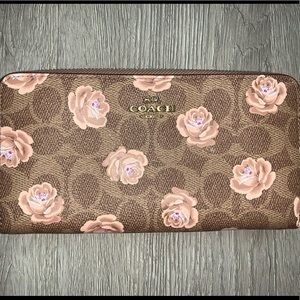 COACH OVERSIZED FLORAL WALLET